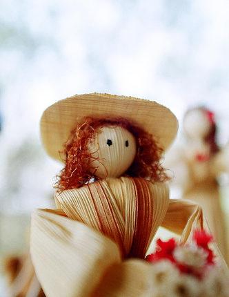 Make a corn doll for Lammas