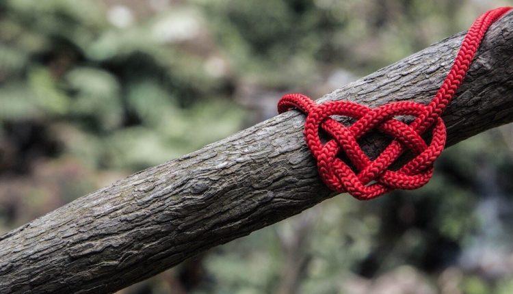 Nine Knots of Love Spell